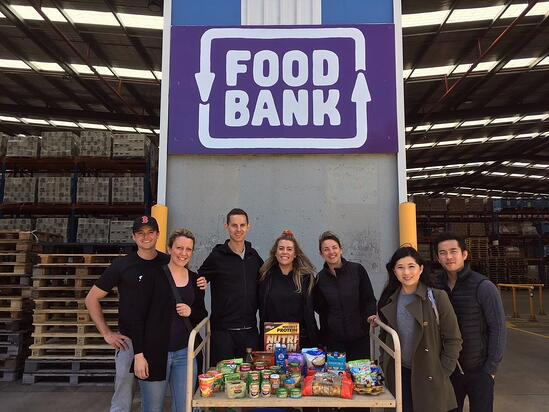volunteer-benefit-increases-employee-engagement-foodbank