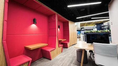RG-Sydney-Office-Pink Booths-3100