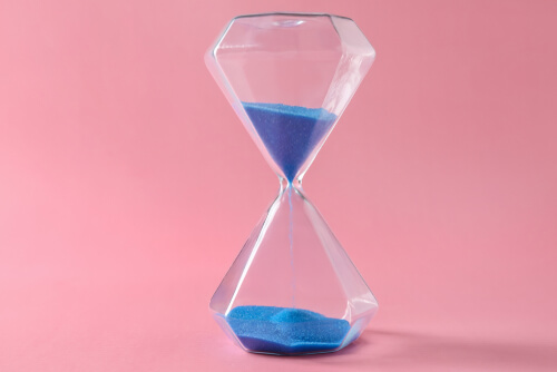 hourglass-timeless-recognition