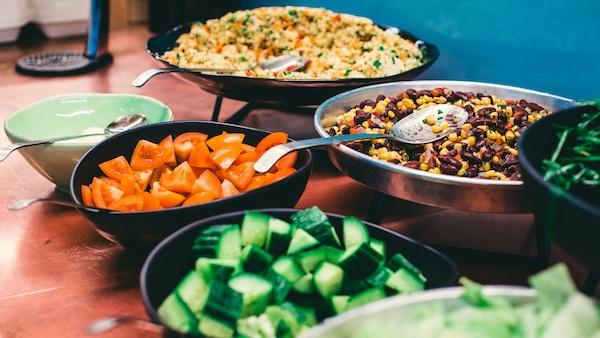 HR Hero London Hub cafe - healthy eating - salad.jpg