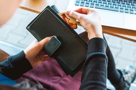 wallet-2125548_640