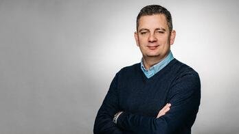 Robert Hicks - -Group HR Director at Reward Gateway-13.jpg