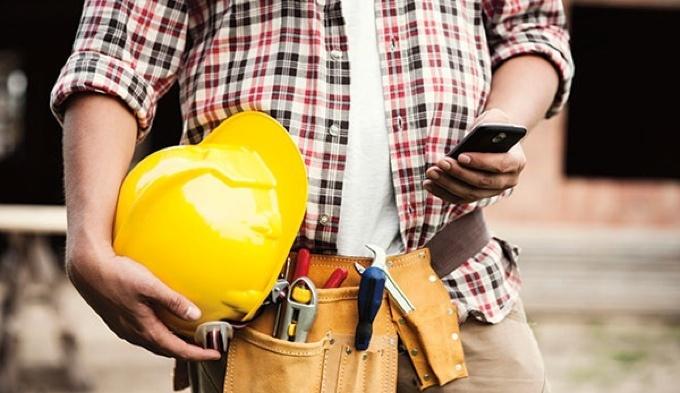 construction-worker-cell.jpg