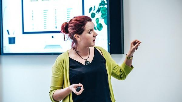 employee-communications-give-feedback-catrin-lewis