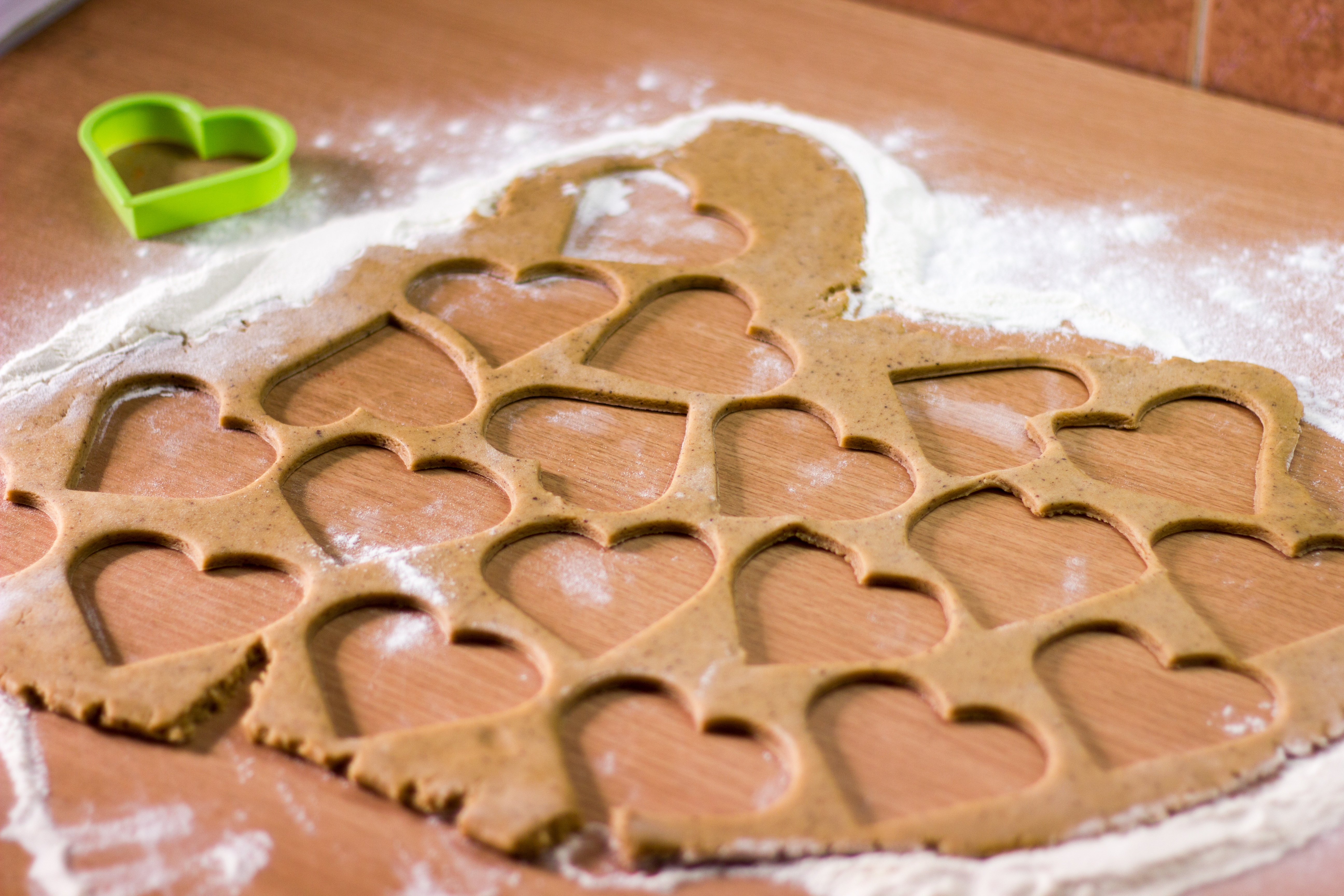 heart-shaped-cookie-cutters.jpg